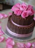 Chokladtårta med rosa rosor