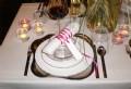 Bordsdukning i vitt och rosa